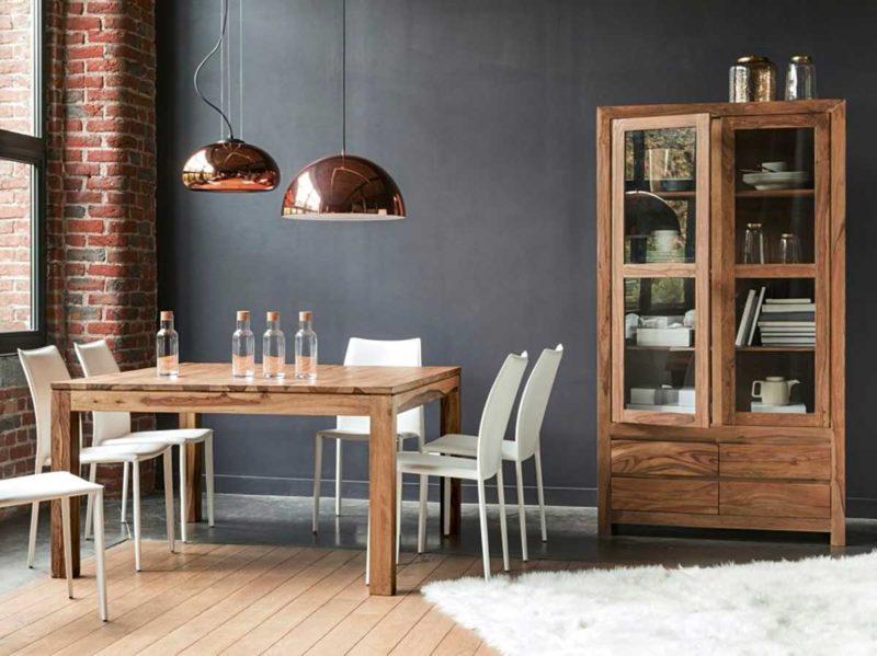 Salle à manger avec table carrée en bois massif