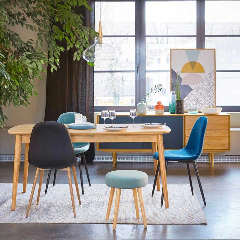 Salle à manger avec table scandinave extensible