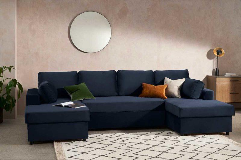 Salon avec canapé à double angle