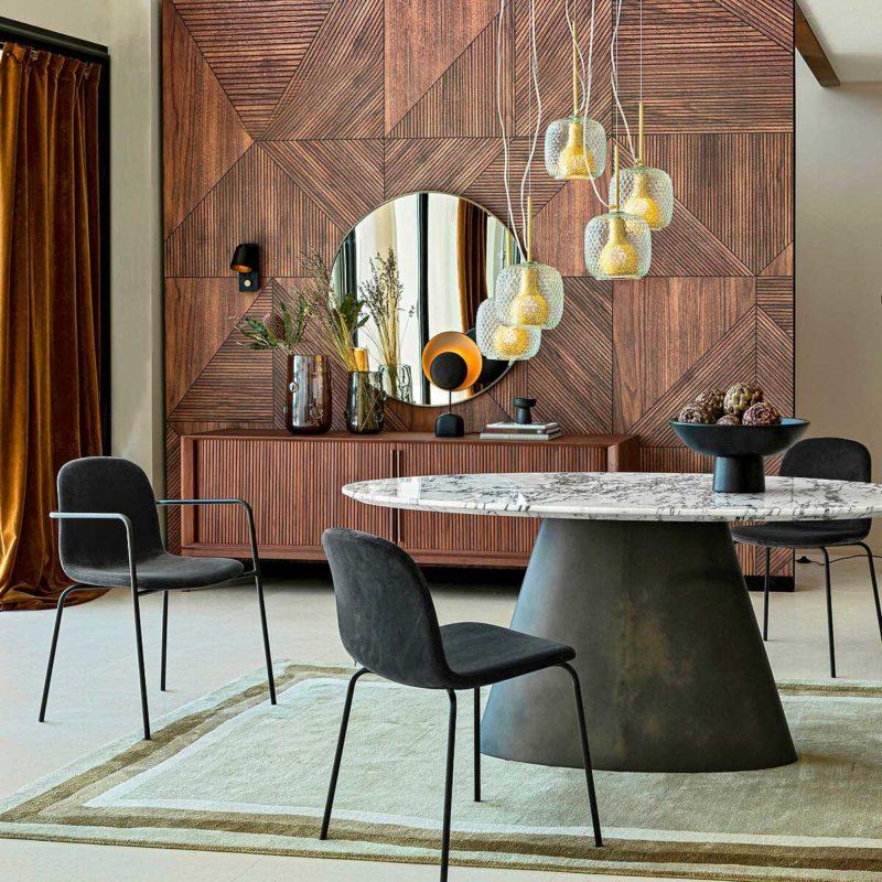 Table à manger design avec plateau en marbre