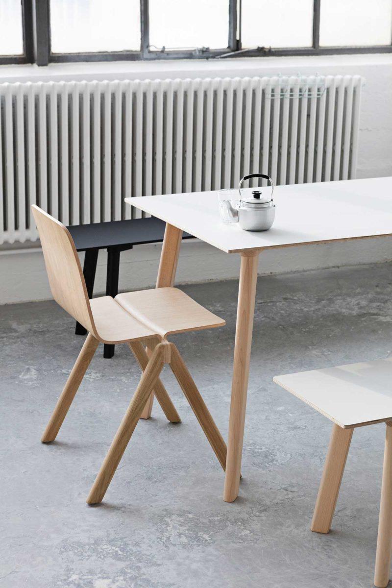 Table scandinave au design épuré