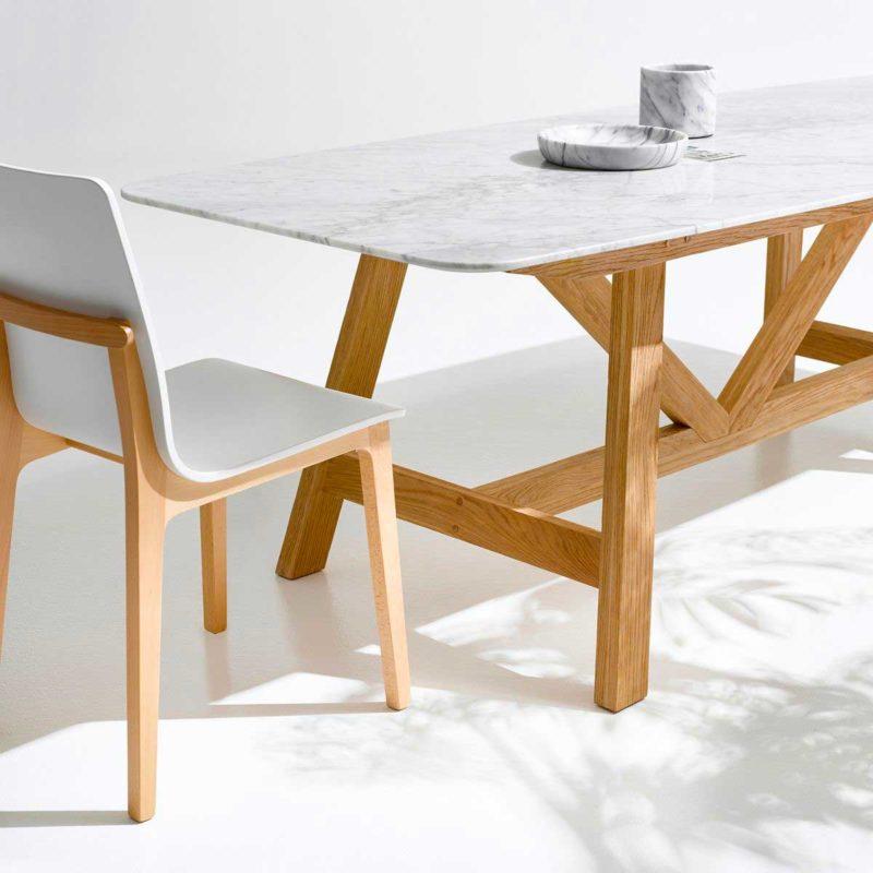 Table en chêne avec plateau marbre blanc