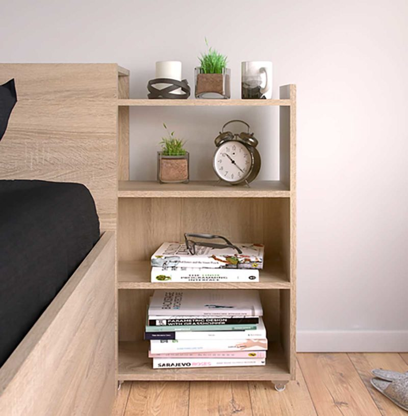 Tête de lit avec espaces de rangement dissimulés