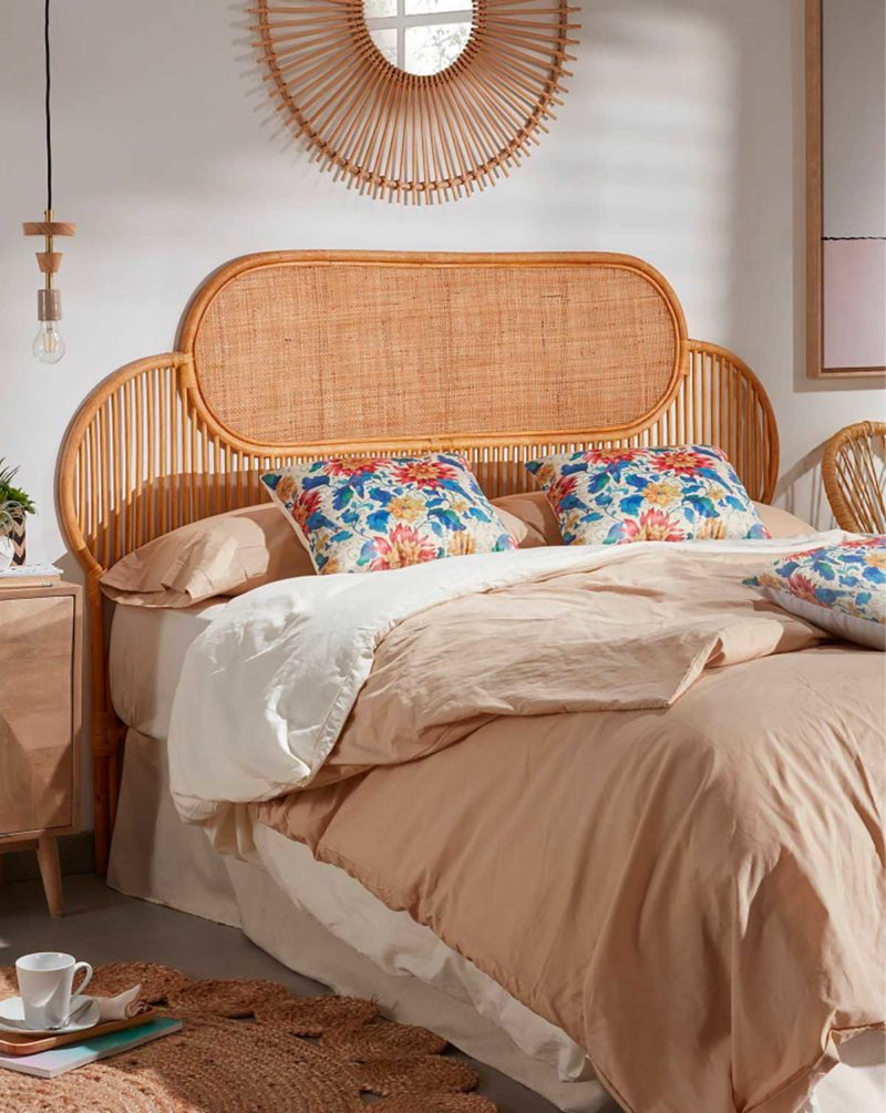 Tête de lit en cannage pour chambre à la déco vintage