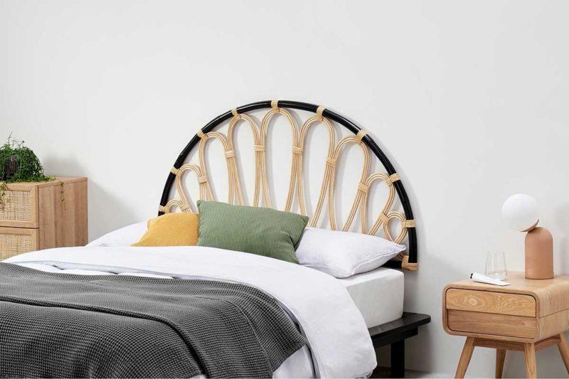 Tête de lit en métal et rotin
