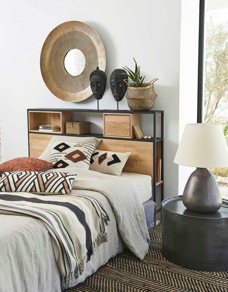 Tête de lit étagère en métal et bois