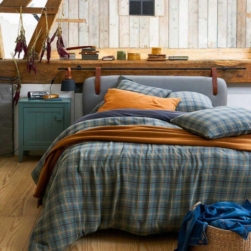 Tête de lit suspendue au design contemporain