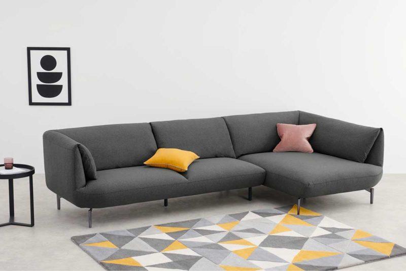 Canapé d'angle gris au design contemporain