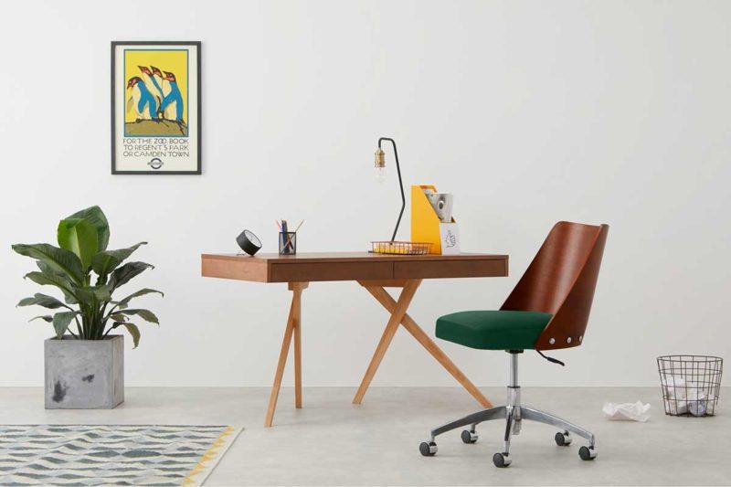 Chaise de bureau à roulettes design