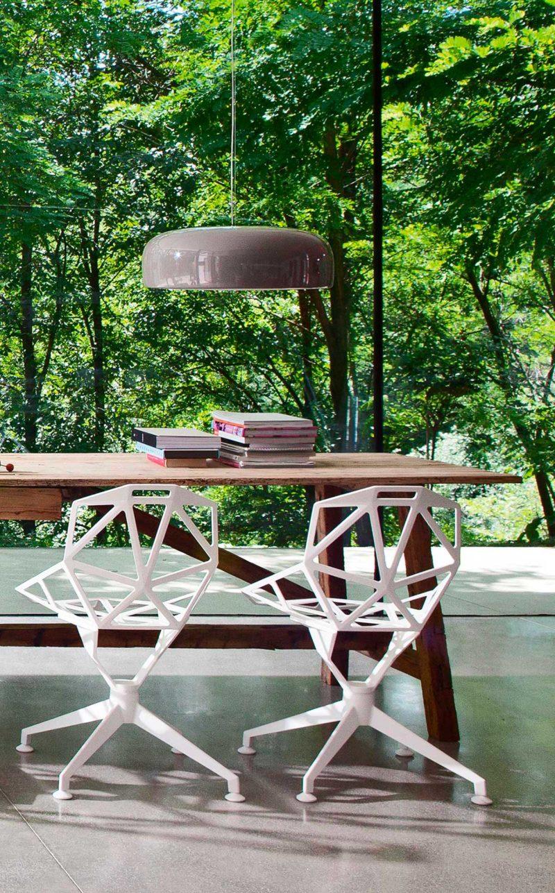 Chaise de bureau blanche au design original