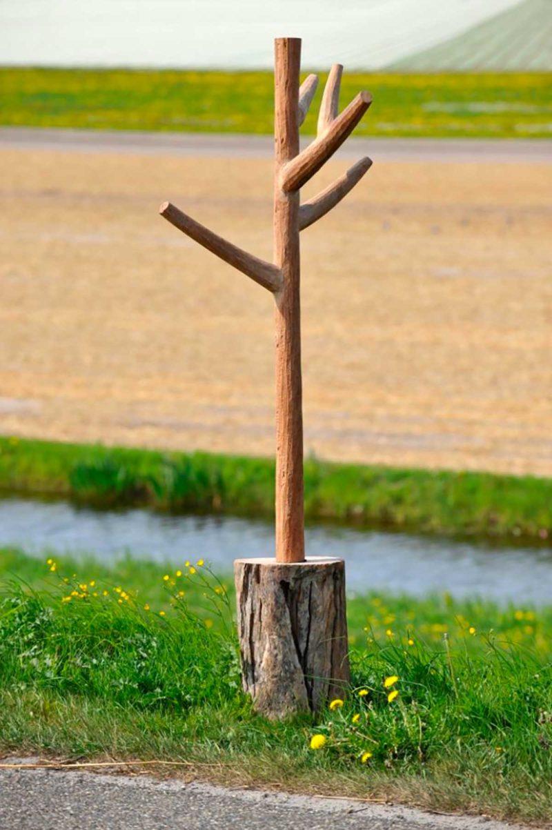 Un arbre pour accrocher les vêtements