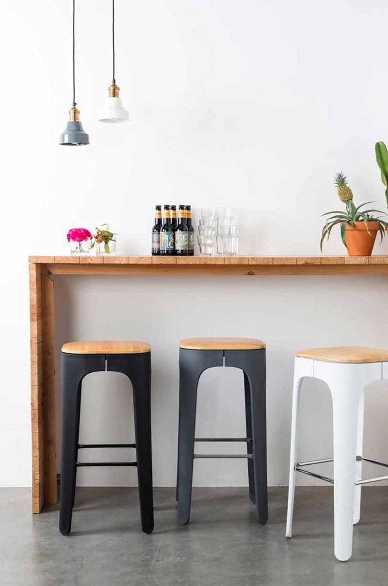 Bar avec tabouret moderne blanc