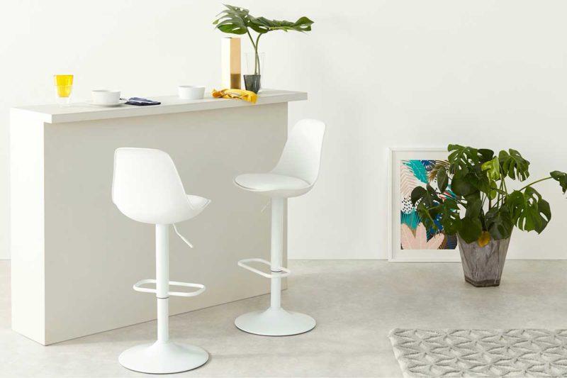 Chaise de bar blanche réglable en hauteur