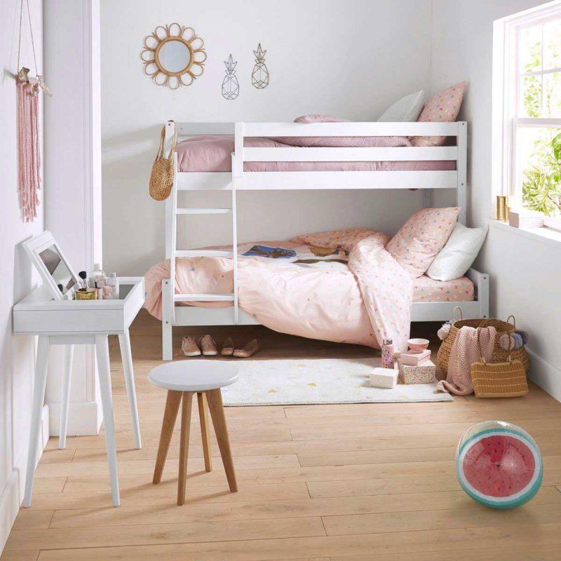 Chambre d'ado avec lit superposé trois personnes