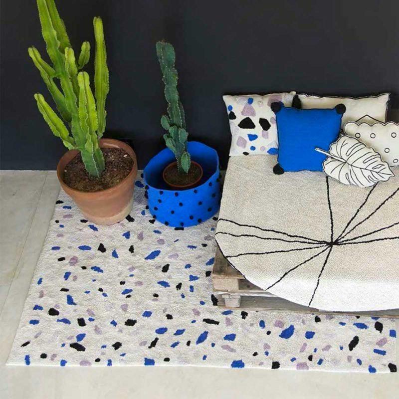 Petit tapis à motifs esprit terrazzo