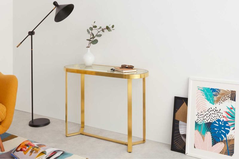 Petite console dorée avec plateau en verre trempé