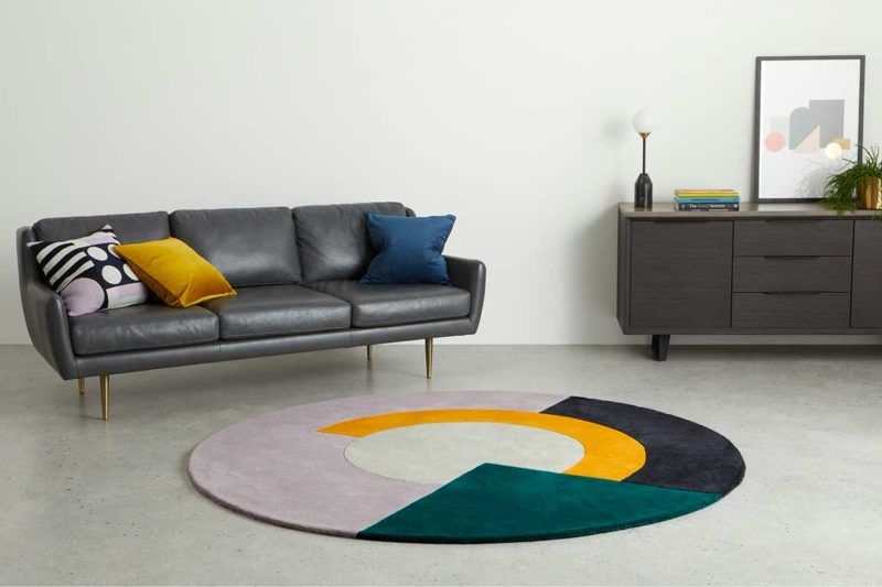 Grand tapis rond au design moderne