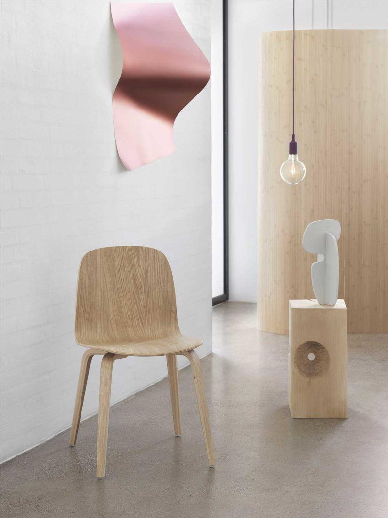 Chaise design en bois naturel