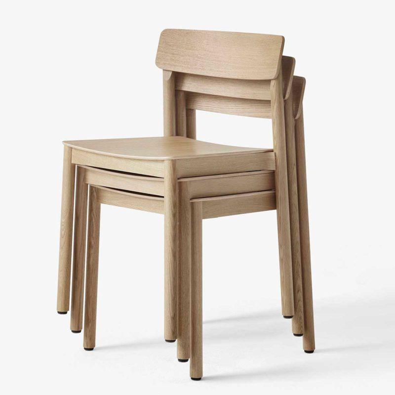 Chaise empilable esprit scandinave en chêne