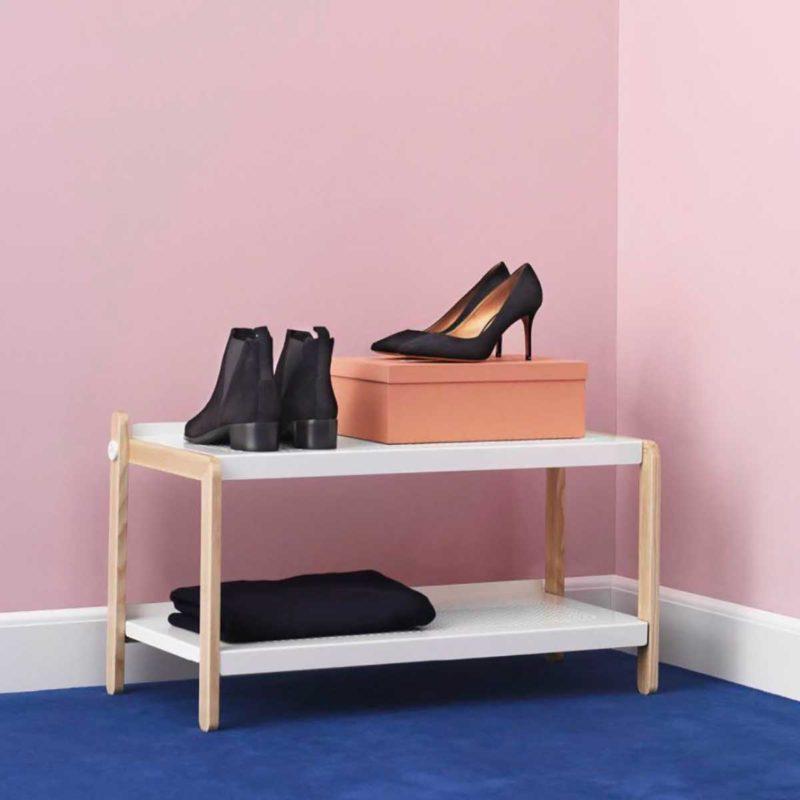 Meuble à chaussures ouvert blanc et bois