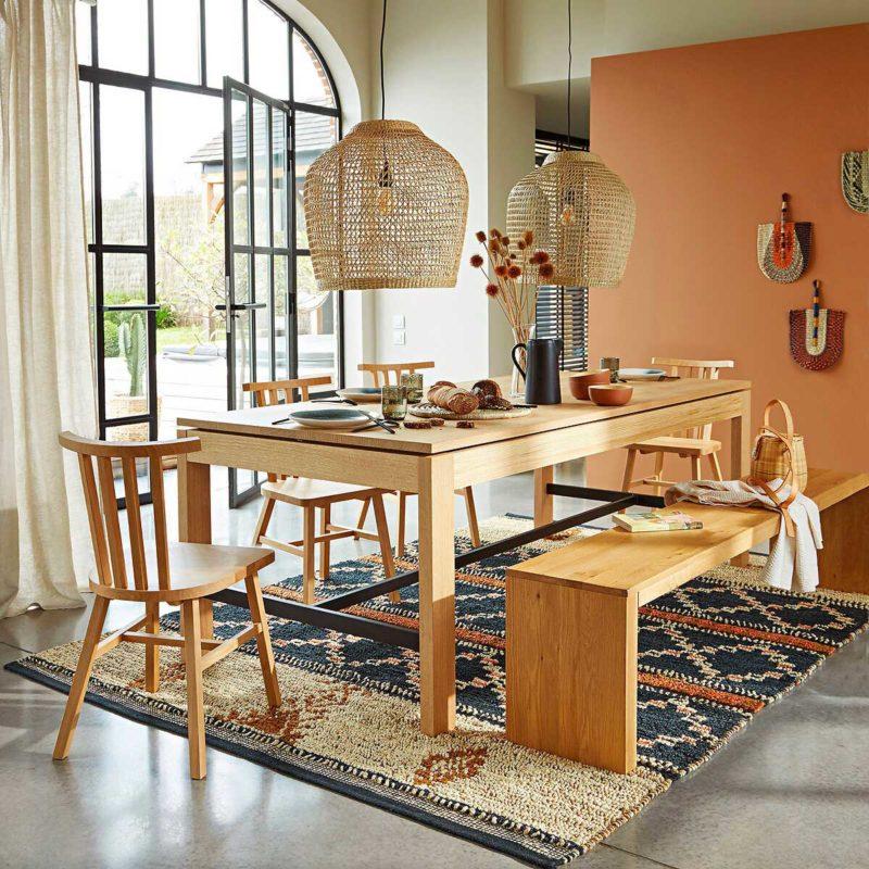 Salle à manger avec chaises en chêne massif