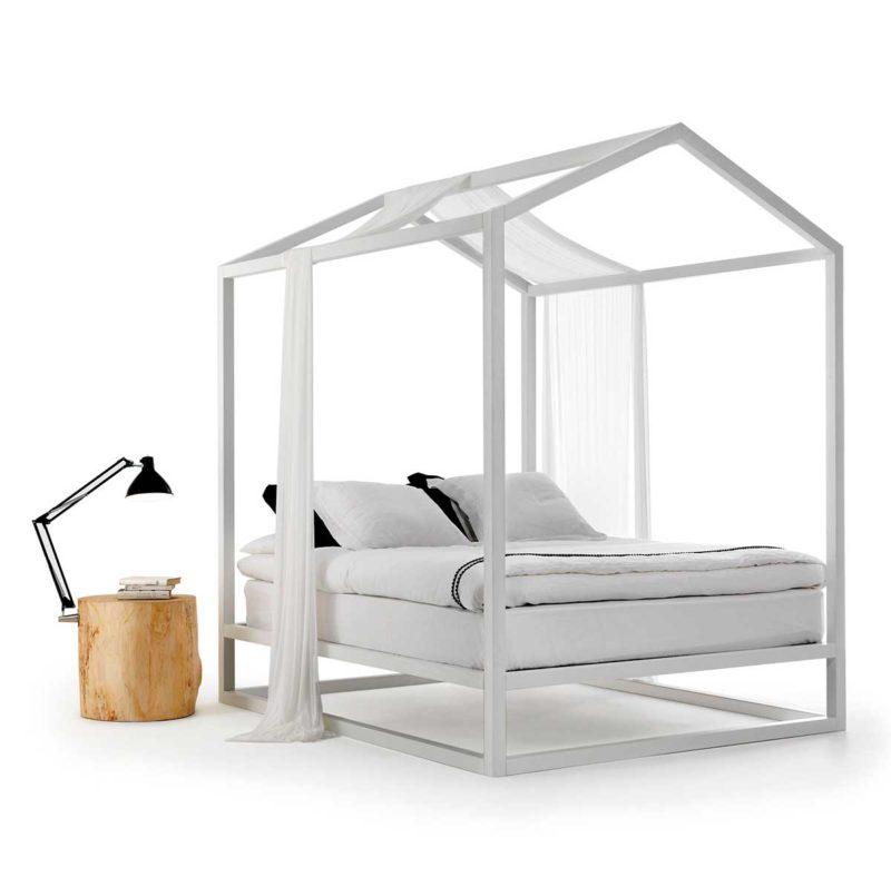 Table de chevet nature et lampe intégrée