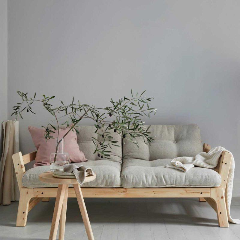 Canapé en pin naturel pour déco scandinave