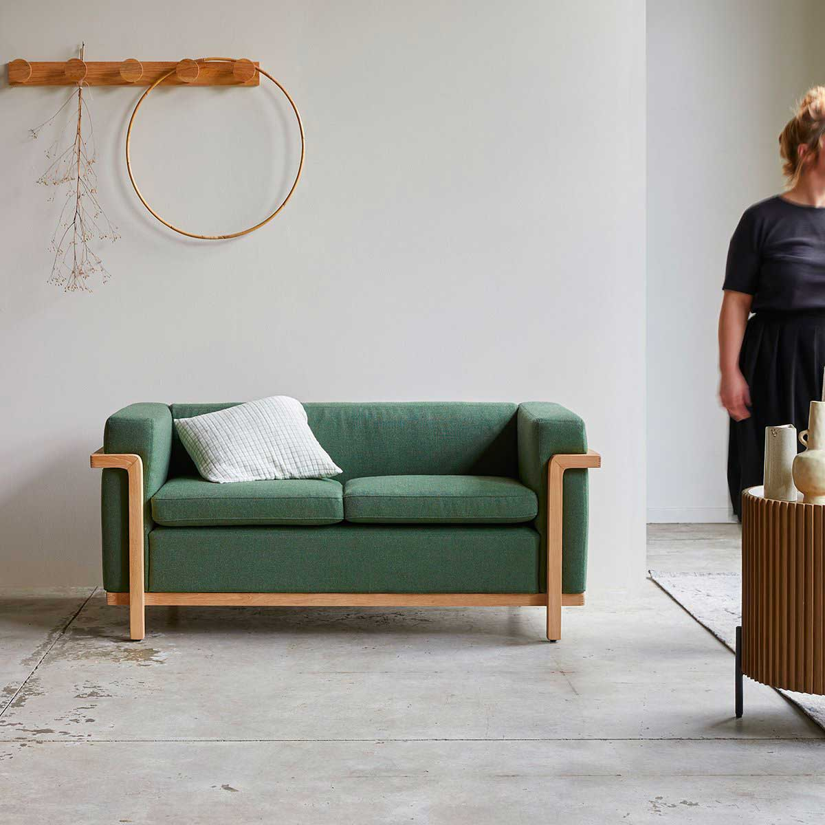 Canapé bois : 18 idées déco pour le salon